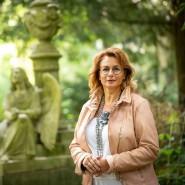 """""""Angehörige sind zartbesaitet"""": Wolf steht auf dem Frankfurter Hauptfriedhof, auf dem sie regelmäßig arbeitet."""