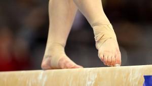 Kein Kopftuch – zehn Jahre alter Turnerin aus Iran droht Verfahren