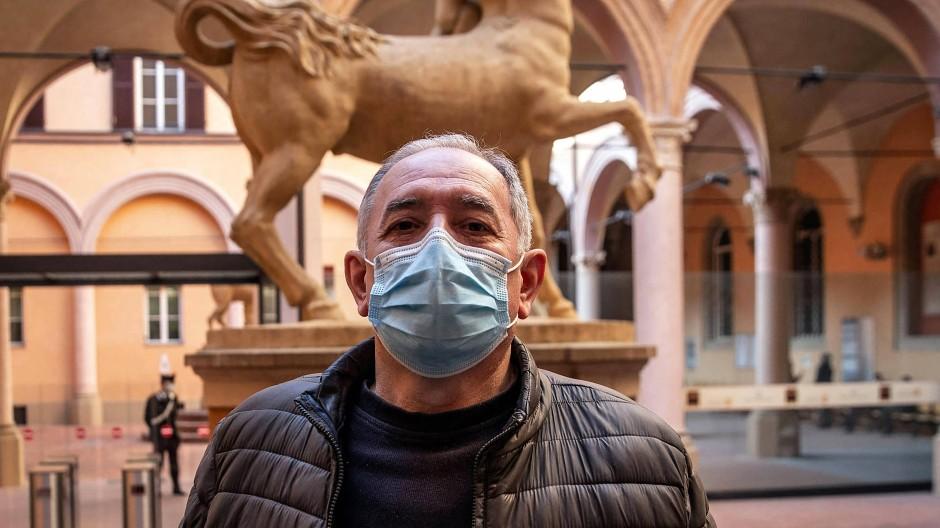 In Bologna muss sich der Rechtsterrorist Paolo Bellini vor Gericht verantworten – mehr als vier Jahrzehnte nach dem Bombenanschlag mit 85 Toten.