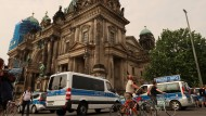 Randalierer im Berliner Dom angeschossen
