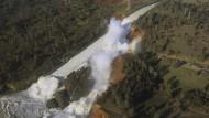 Katastrophe: der beschädigte Überlauf des Oroville-Staudamms am erodierten Hang in Oroville.
