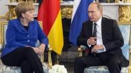 Merkel in tiefer Sorge über russische Luftangriffe in Syrien