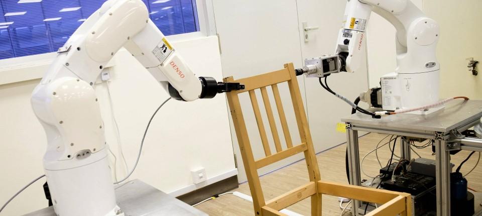 Roboter Baut In Neun Minuten Einen Ikea Stuhl Zusammen