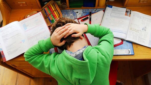 Mädchen leiden häufiger an Kopfschmerzen als Jungen