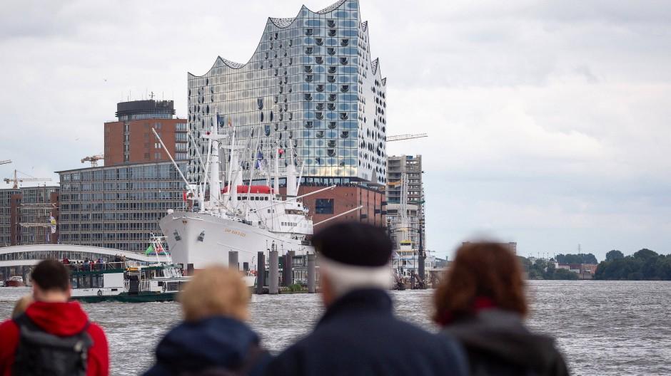 Passanten in Hamburg