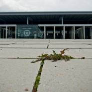 Das Unkraut ist schon da, die Flugzeuge noch nicht: Deutschlands neuer Hauptstadtflughafen im Jahr 2014