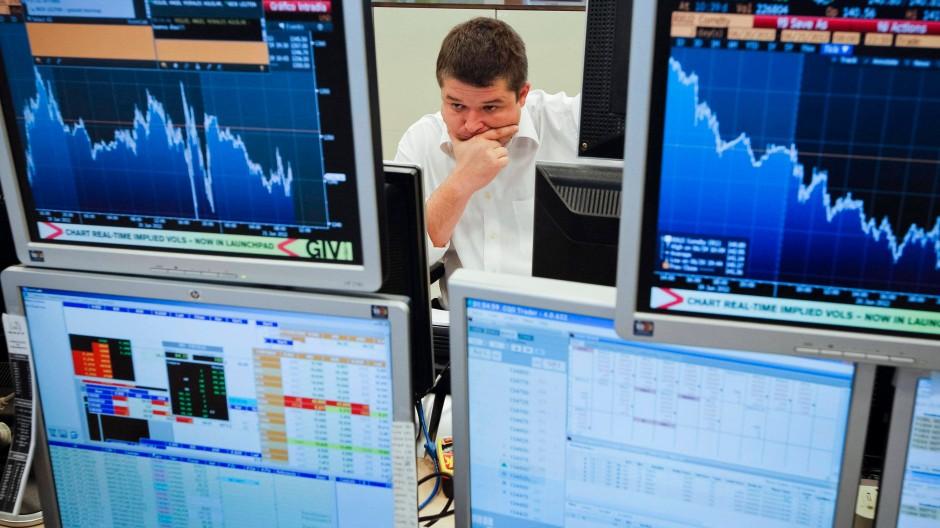 Erschrockene Börsianer in Madrid.