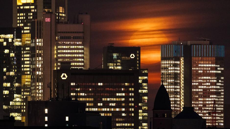 Der mutmaßliche Spion wurde in der Frankfurter Finanzbranche eingesetzt.