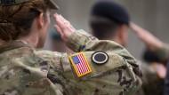 Auf deutschem Boden: amerikanische Soldaten in der Wiesbadener Clay Kaserne