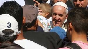 Papst vergleicht Zustände in Flüchtlingszentren mit KZs