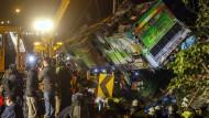 Viele Tote nach Reisebusunfall in Taiwan