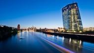 EZB kauft Anleihen etwas schneller