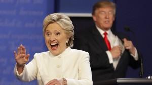 Erste Umfragen sehen Clinton als Siegerin