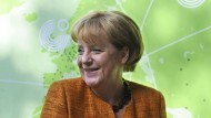 Bundeskanzlerin Merkel könnte mit ihrer Flüchtlingspolitik Teilen der Gesellschaft einen Kulturschock verpasst haben, glaubt der Psychologe Stefan Grünewald.