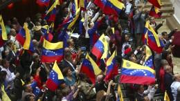 Präsident Nicolás Maduro will Parlament auflösen