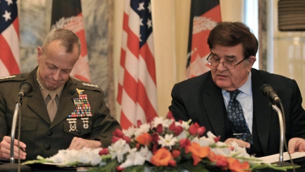 Amerikaner unterzeichnen mit Afghanen Abkommen
