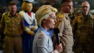 Von der Leyen umwirbt Thyssen-Manager für digitale Kriegsführung