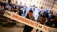 """Demonstration der """"Querdenken""""-Bewegung im Januar in München"""