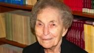 Anna Jacobson Schwartz (1915–2012).