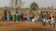 Ein Klassiker der Entwicklungshilfe: Brunnen in Ghana sollen das Leben leichter machen.