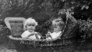 Einjährige Kinder, 1915.