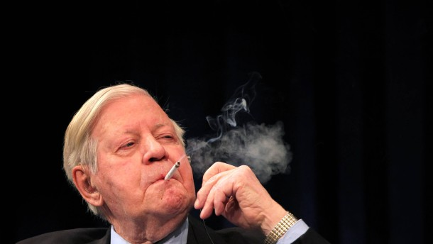 Zigarettenschatulle von Helmut Schmidt versteigert