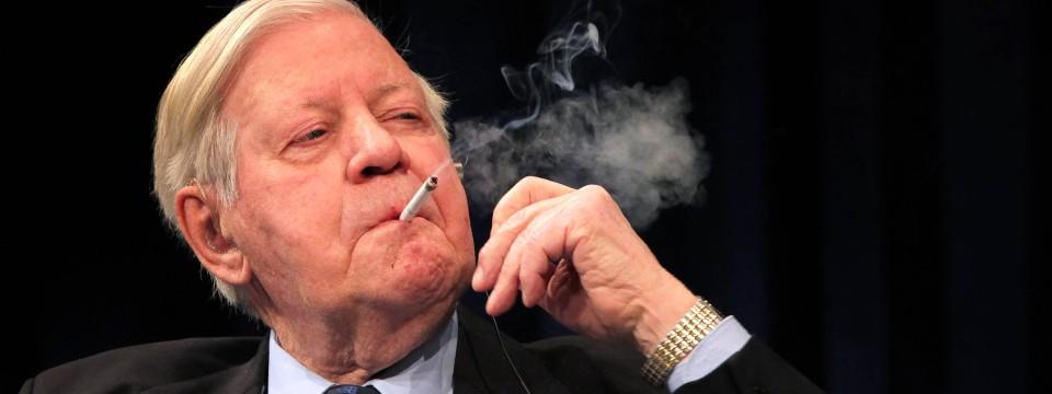 Teure Auktion: Zigarettenschatulle von Helmut Schmidt ...
