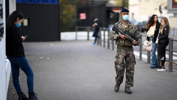 Mann in Frankreich tötet zwei Frauen mit Schüssen