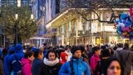 Mengenrabatt: Die Zeil war oft voll in der Adventszeit, trotzdem fällt die Bilanz des Handels bisher durchwachsen aus