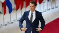 Jugendlicher Held auf dem Laufsteg Europas: Österreichs Bundeskanzler Sebastian Kurz, Präsident des Europäischen Rats