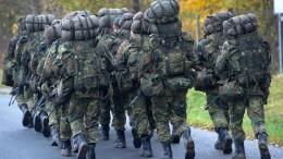 Wer zahlt für die Bahnfahrten der Soldaten?