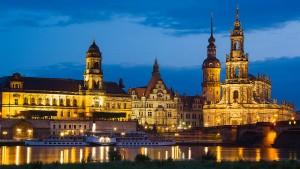 """Dresden streitet über """"Nazinotstand?"""""""