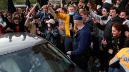 Tausende feiern Ende der Ausgangssperre in Brüssel