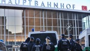 Erste Verdächtige der Kölner Silvesternacht vor Gericht