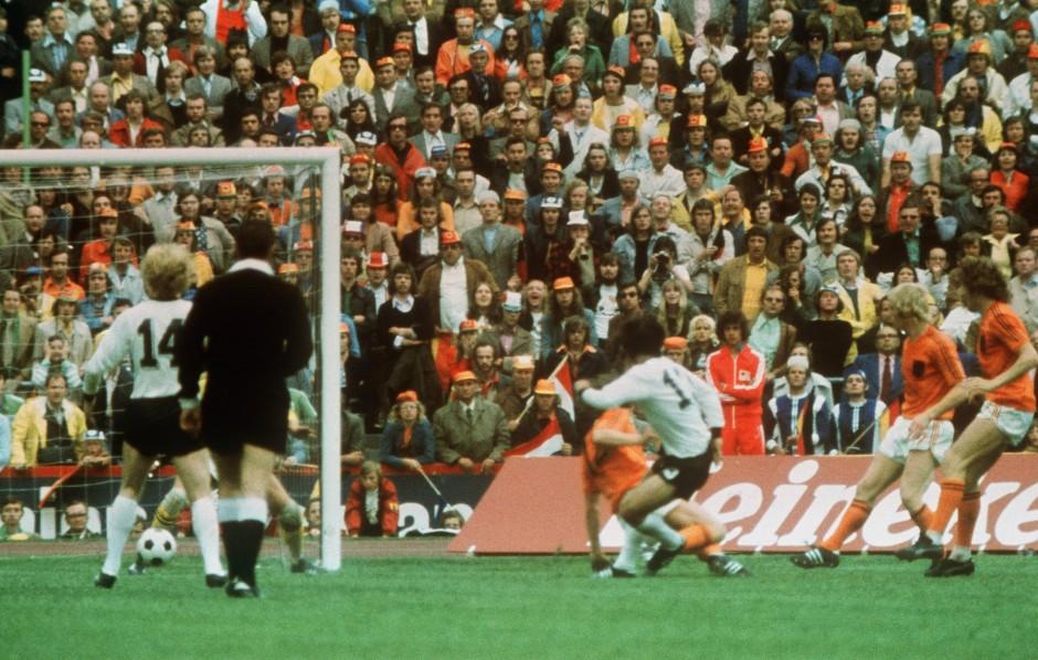 Müller, 1974, aus der Drehung zum WM-Sieg