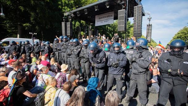 """""""Die Polizei wird mit mehreren Tausend Beamten in der Stadt sein"""""""
