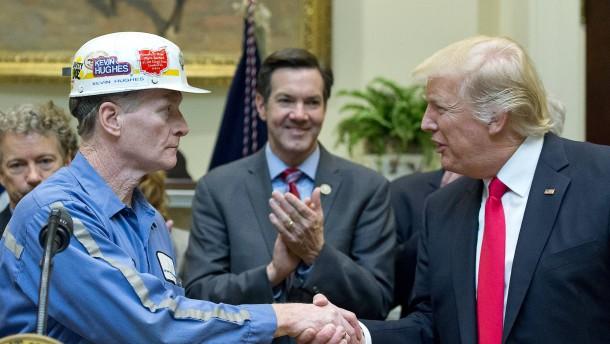 Trump dankt ab