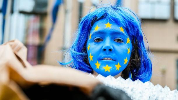 Jeder dritte Deutsche für Vereinigte Staaten von Europa