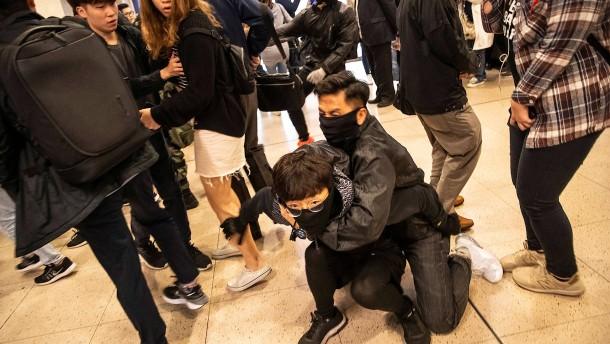 Wieder Auseinandersetzungen in Hongkong