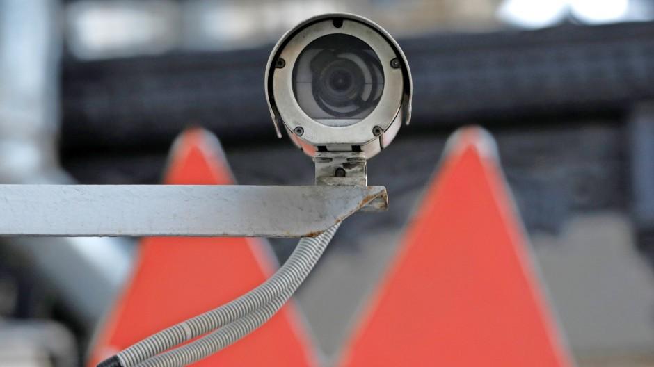 Überwachungskamera an einer Moskauer Metrostation