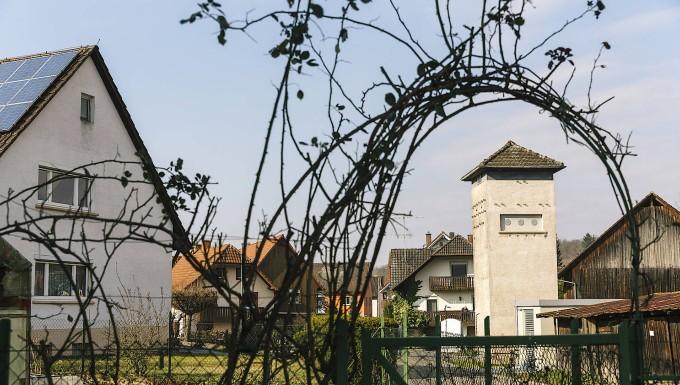 Außer Dienst: Das alte Stromhäuschen in Ettenheimweiler in der Nähe von Freiburg