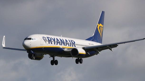Ryanair will Niki Laudas Fluggesellschaft übernehmen