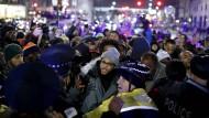 Polizist tötet schwarzen Jugendlichen mit 16 Schüssen