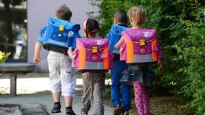Mehr Geld für bedürftige Kinder und Studenten