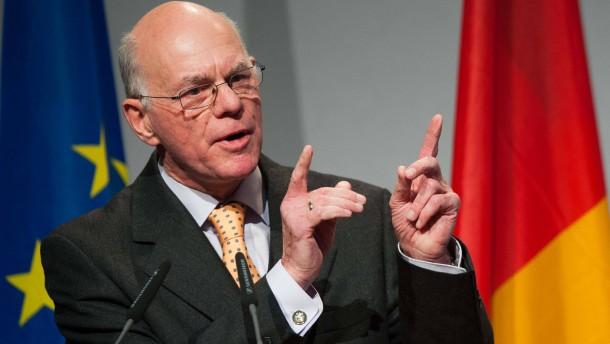 Lammert gegen eigenen NPD-Verbotsantrag des Bundestags