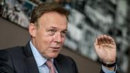 Oppermann plädiert für EU als Vermittler