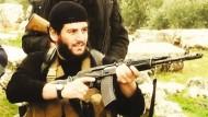 """Gesicht der Terrormiliz: Im Juni 2014 rief IS-Propagandachef al Adnani das """"Kalifat"""" aus."""