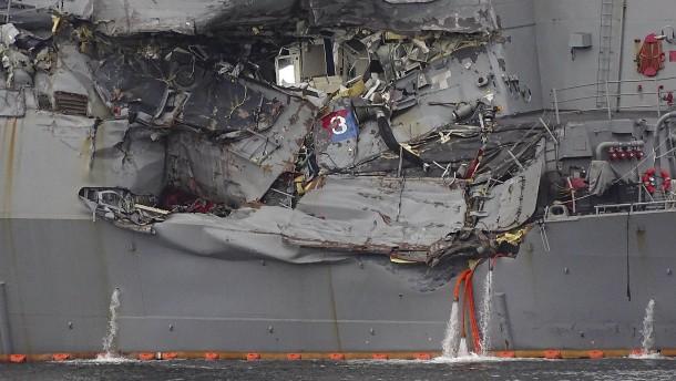 Seeleute nach Schiffskollision tot geborgen