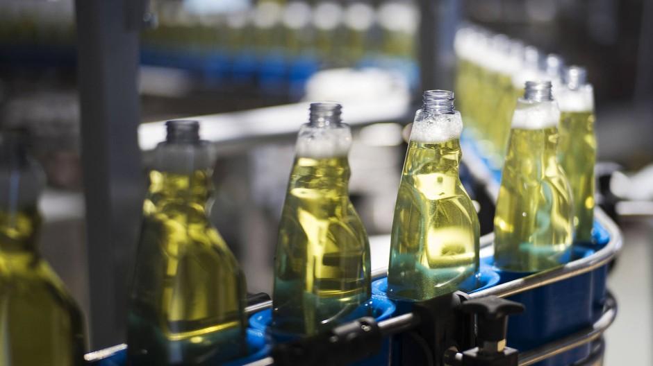 Der Putzmittelhersteller Frosch setzt nach wie vor auf nachhaltige Plastiklösungen – in der Corona-Krise ist das aber besonders schwierig.