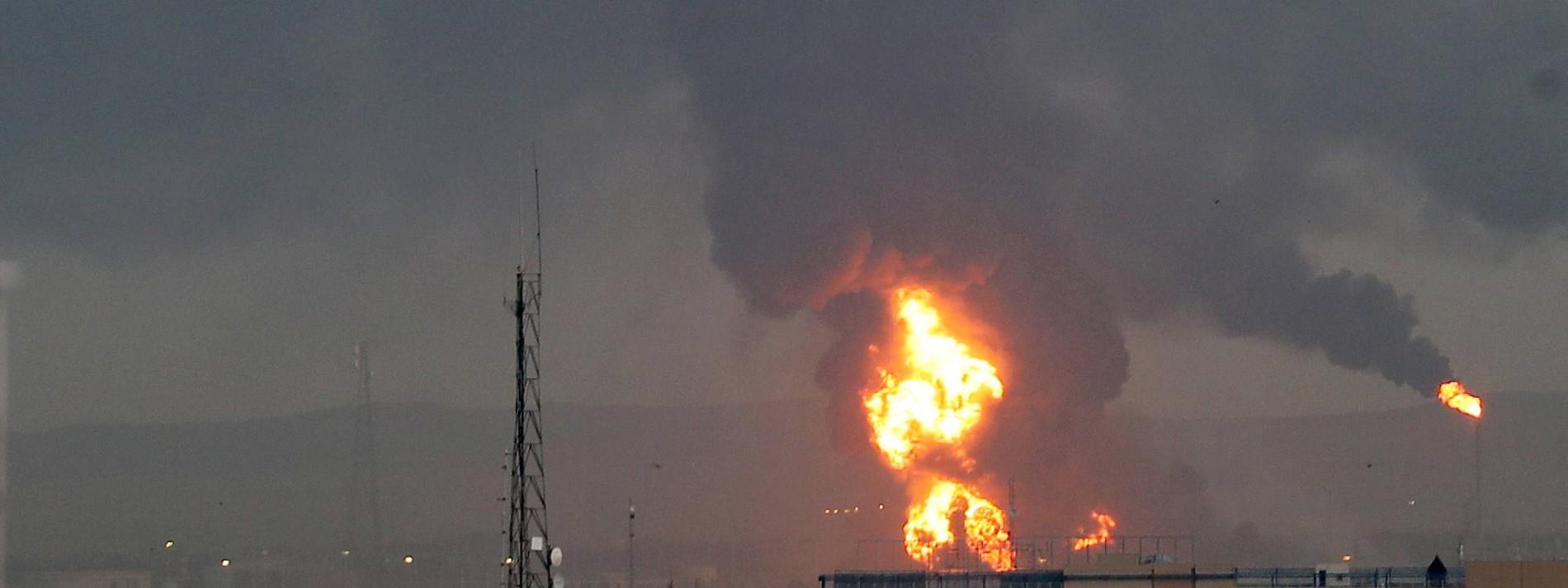 Großbrand in Ölraffinerie nahe Teheran